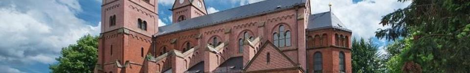 Citlivé propojení opraveného historického kláštera redemptoristů s nově postaveným pavilonem psychiatrie. Vzniklo tak kolem 55 míst splňujících moderní požadavky na psychiatrickou léčbu. Pavilony jsou vybaveny i ambulantními ordinacemi, prostory pro...